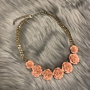 Jewelry - Pink/nude flower Gold color bohemian necklace